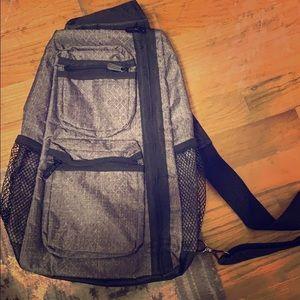 Sling back pack